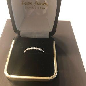 14k White gold w/diamonds wedding bands